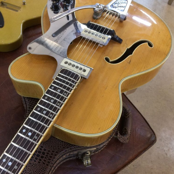 Vintage Hofner Senator with Bigsby and pickups, this is seriously cool