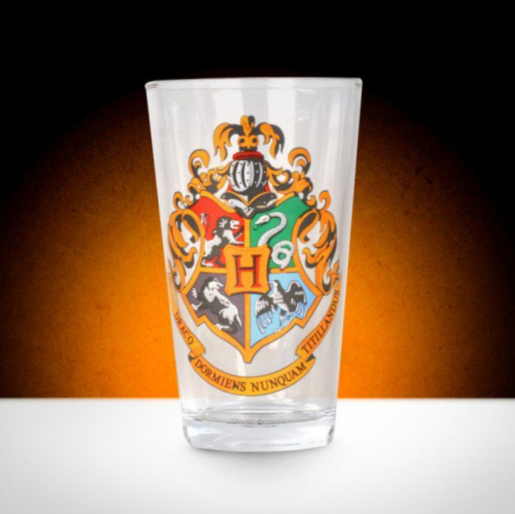 HARRY POTTER GLASS - HOGWARTS CREST - Available for just £8