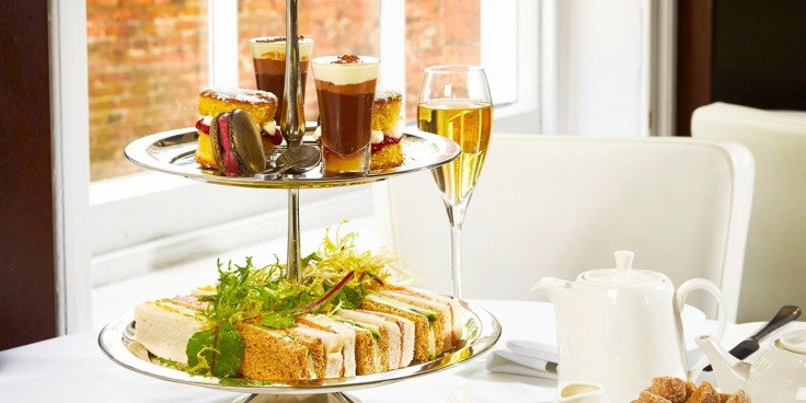 £27 - Afternoon tea with bubbly for 2 in Nottingham