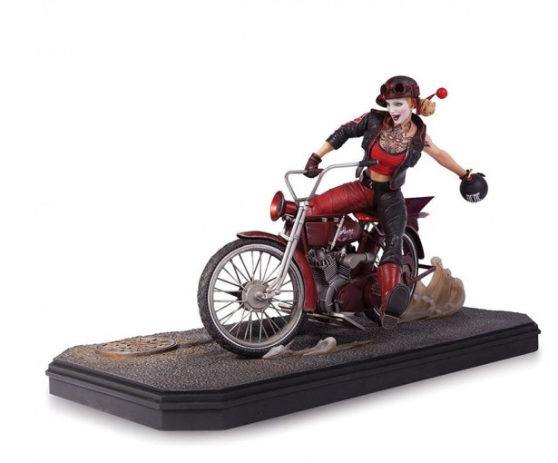 Save over £150 on this Collectors DC Comics Gotham City Garage Harley Quinn Statue